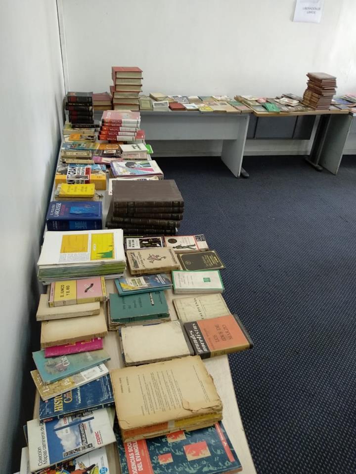 Liberación de libros en Biblioteca Central